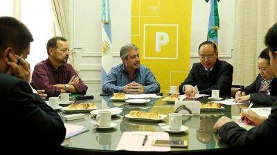 El intendente recibió la visita de una delegación china