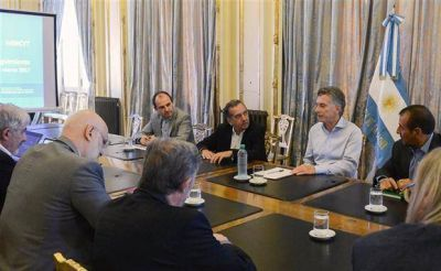 El Gobierno apura acuerdos con gremios para atenuar el impacto del paro de la CGT