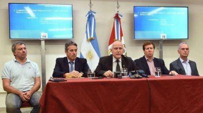 Lifschitz anunció una batería de medidas para mejorar el transporte interurbano de pasajeros en la provincia