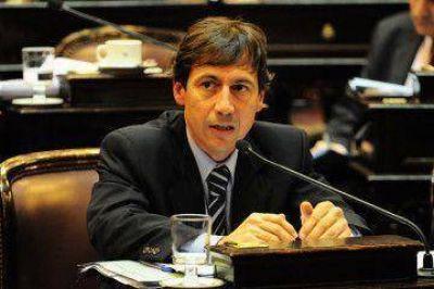 Insfrán es cómplice y responsable del negociado de los 7.6 millones