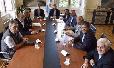 A 24 horas del anuncio del paro de la CGT, Macri lanzará un plan para reducir daños