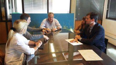 Ferroautomotora: El Concejal Alconada se reunió con autoridades del EMSUR y Ferrobaires
