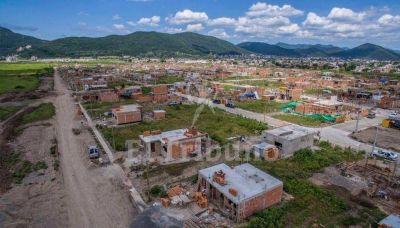 Prometen más viviendas en Pereyra Rozas