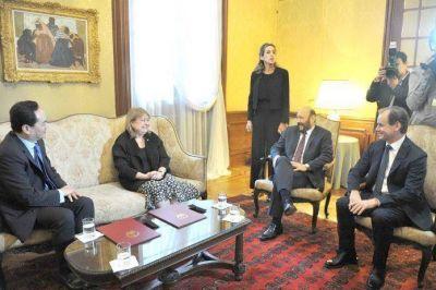 Bordet se reunió con diplomáticos chinos