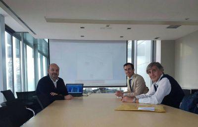 Petrecca visitó una importante plataforma logística en España