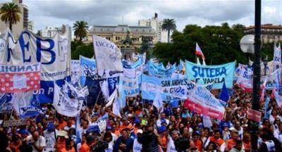Docentes marchan antes de una nueva reunión para destrabar el conflicto