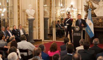 La UOM y Smata firmaron con Macri un acuerdo de producción automotriz