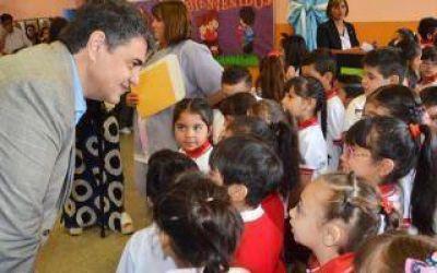 Vicente López: Macri pagará una ayuda escolar para los municipales