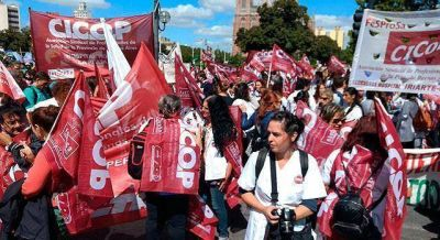 """Médicos tildaron de """"histórica"""" la marcha y resaltaron la """"unidad"""""""