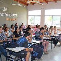 Abren escuela de emprendedores en Bragado