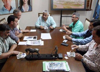 Firman contrato para la realización de obras de desagüe pluvial en San Pedro