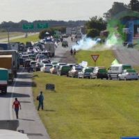 """Multitudinaria """"Caravana de Repudio"""" contra la ola de despidos"""