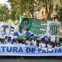 Paritarias: 15 mil trabajadores marcharon en la Ciudad