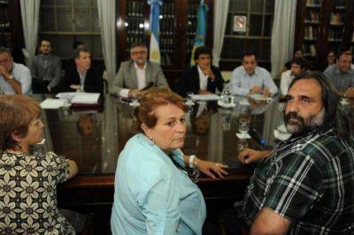 Tras la movilización de los docentes, Provincia convocó a una nueva paritaria el lunes