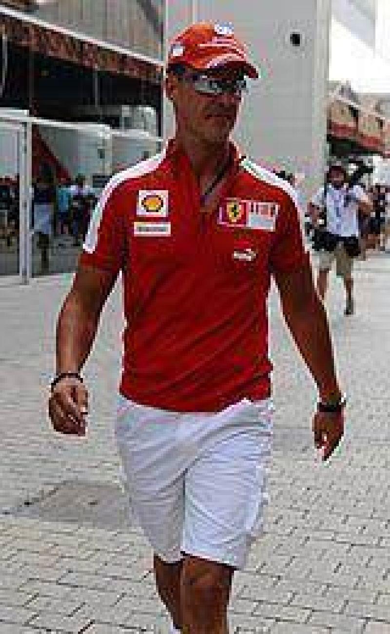 El director de Ferrari abre la puerta para que Schumacher vuelva a correr en 2010