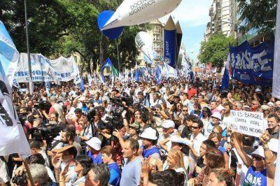 Huelga de CTERA: multitudinaria marcha docente en la Ciudad