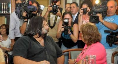La FEB evalúa romper el frente docente e ir a la reunión de Vidal