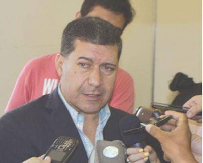 Más intendentes respaldaron a Casas y el incremento salarial