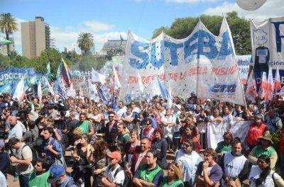 Se tensa la cuerda: Vidal empezó con los descuentos y los docentes irán a la Justicia