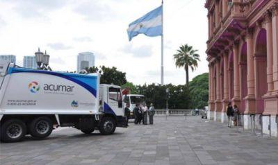 La ACUMAR entregó camiones a municipios para la