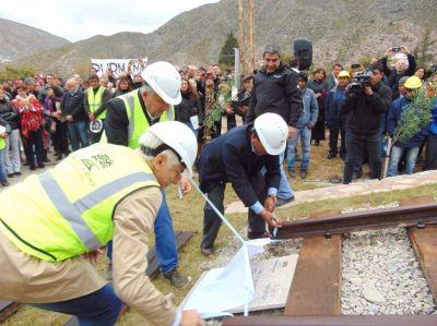 Iniciaron ayer en Volcán las obras de recuperación del tren