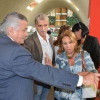 Infante visitó la muestra fotográfica en el Mercado Armonía