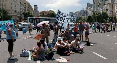 Creció abruptamente la conflictividad social en marzo: cantidad de piquetes en Ciudad subió 440%