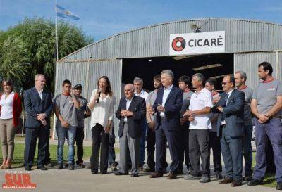 Vidal y Macri en fábrica de helicópteros en Saladillo