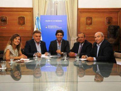 Sánchez firmó convenio por asfalto en Nación junto a Aprile