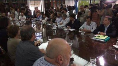"""El gobierno de Vidal celebra la """"reanudación del diálogo con los docentes"""""""