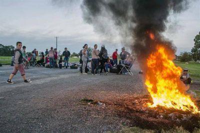 Los piquetes llegaron al campo: bloquearon un remate ganadero