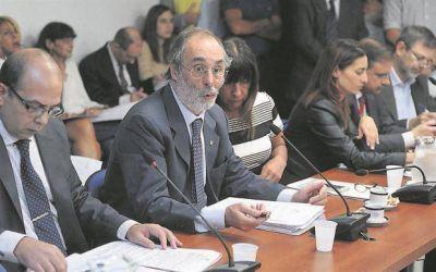 La oposición exigió que el conflicto de interés se regule por ley y no por decreto
