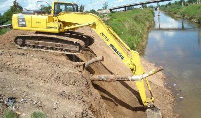 Realizan obras de drenaje en Las Colonias y Castellanos