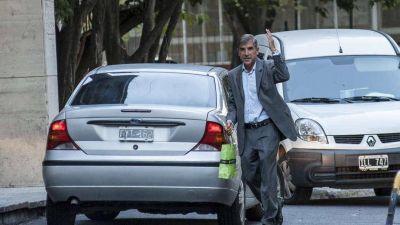 AMIA: el fiscal pide las notas que permitieron flexibilizar las alertas rojas