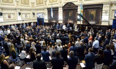 Massa quiere colar la polémica por el Indio en la primera sesión legislativa