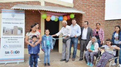 Entregaron viviendas sociales a familias del Departamento Loreto