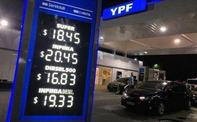 Los precios de las naftas y el gasoil, eje de una fuerte disputa