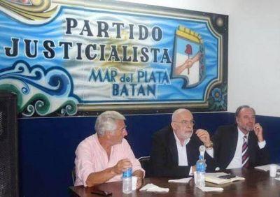 Los doctores Falcone y Portela brindaron una conferencia sobre el terrorismo de estado