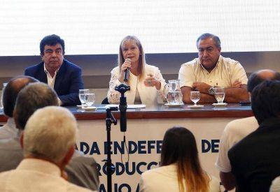 El Fénix y el Esmeralda apoyaron a los docentes y criticaron a Macri