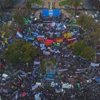 """Histórica Marcha Federal Educativa: """"Los docentes no nos arrodillamos"""""""