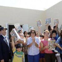 Corpacci entregó soluciones habitacionales a 18 familias