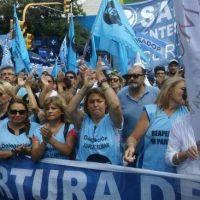 Más que salarios, UEPC discute los descuentos