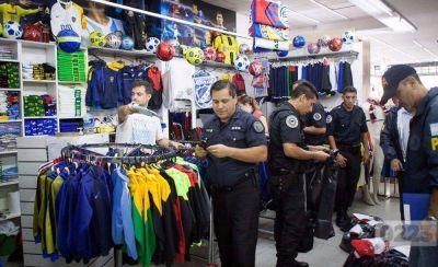Allanan el shopping Peatonal por violaciones a la ley de Marcas