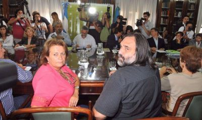 Vidal cede y convoca a los docentes por fuera de la conciliación