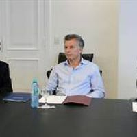 El informe optimista de Dujovne que entusiasmó a Macri