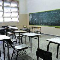Intiman a la Provincia a no descontar más días de paro a los docentes