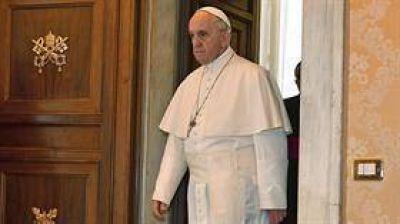 Defienden la actuación de Bergoglio en el caso Grassi