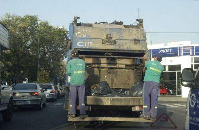 Los recolectores de basura de Berisso paralizaron la actividad
