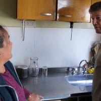 """Habilitan los servicios de agua potable y cloacas a las primeras viviendas beneficiadas por el programa """"Padre Mugica"""""""