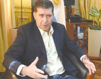 Casas se mostró a favor de abrir la economía a inversores